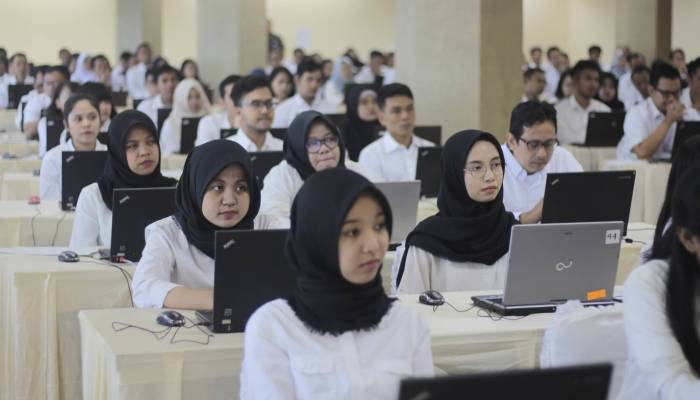 Ridwan Kamil Tanda Tangani Perjanjian Pinjaman Daerah 2021 ...